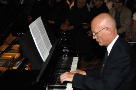 Organist Daniel David